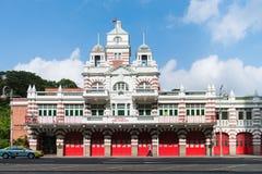 De uitstekende retro brandweerkazernebouw Royalty-vrije Stock Foto's