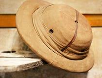 De uitstekende retro hoed van de stijlsafari stock foto's