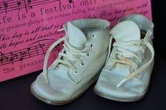 De uitstekende Schoenen van de Baby Royalty-vrije Stock Afbeeldingen