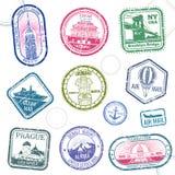 De uitstekende vectorzegels van de paspoortreis met internationale symbolen en beroemd handelsmerk royalty-vrije illustratie