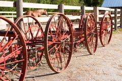 De uitstekende wielen van landbouwbedrijfequipement Royalty-vrije Stock Foto's