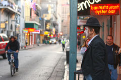 De uitvoerder van de straat in Frans Kwart, New Orleans stock afbeeldingen