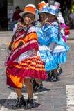 De uitvoerders in de Meidag paraderen in Cusco, Peru royalty-vrije stock foto's