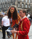 De uitvoerders tijdens Edinburgh omzomen Festival royalty-vrije stock foto's