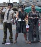 De uitvoerders tijdens Edinburgh omzomen Festival royalty-vrije stock foto