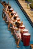 De uitvoerders van de trommel in watercubestadion Royalty-vrije Stock Foto's
