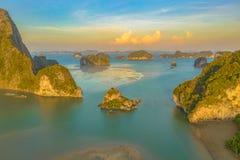 de uitweg van de archipel van Baan Hinrom Samed Nangshe stock fotografie