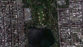De Uitzoomencentral park New York Verenigde Staten van aardeinzoomen stock footage