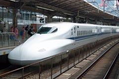 De ultrasnelle trein van Shinkansen Stock Foto's