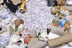 de un envase de reciclaje de papel Imagenes de archivo