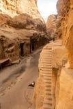 De Unesco-plaats van de Werelderfenis van Weinig Petra, in Jordanië stock foto