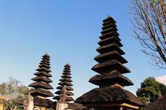 De unieke daken van complexe Pura Ayun Temple en tuin Peacefu royalty-vrije stock foto's