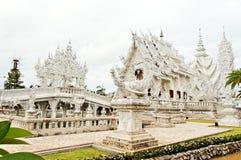 De unieke witte tempel van Boedha in Thailand royalty-vrije stock afbeeldingen