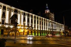 De universitaire bouw in Wroclaw bij nacht, Polen stock afbeeldingen