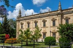 De de Universitaire gebouwen en tuinen van Sevilla stock foto