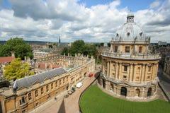 De Universiteit, de bibliotheek en de hogeschool van Oxford Stock Foto