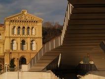 De universiteit en de brug van Deusto Stock Afbeelding