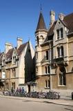 De Universiteit en de fietsen van Oxford royalty-vrije stock foto's