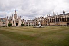 De Universiteit van de drievuldigheid in Cambridge Stock Afbeeldingen