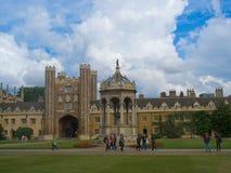 De Universiteit van de drievuldigheid, de Universiteit van Cambridge stock afbeeldingen