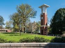 De Universiteitsklokketoren van de Staat van Oregon in de lente Royalty-vrije Stock Foto