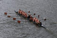 De Universiteitsrassen van Boston in het Hoofd van het Kampioenschap Eights van Charles Regatta Women stock afbeeldingen