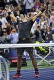 De US Open 2017 kampioen Rafael Nadal van Spanje viert overwinning na zijn definitieve gelijke tegen Kevin Andersen royalty-vrije stock afbeelding