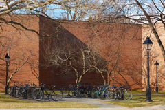 02 04 2011, de V.S., Boston: Parkeren voor fietsen, lichten, stoep, Stock Afbeeldingen