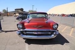 De V.S.: Klassieke auto - 1957 Chevrolet Bel Air /Front Stock Afbeeldingen