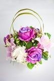 De vaas van de bloem op isolate Stock Afbeeldingen