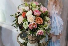 De vaas van het bloemboeket Stock Foto
