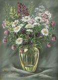 De vaas van het glas met wilde bloemen stock illustratie