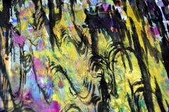 De vage gouden purpere hypnotic golvenplonsen, kleurrijke levendige wasachtige kleuren, stelt creatieve achtergrond tegenover elk Stock Afbeeldingen