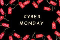 De Vakantie van de Cybermaandag De rode het winkelen etiketten van de verkoopkorting stock foto's