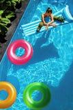 De vakantie van de de zomervakantie zomer Vlotterringen, Matrasvlotter Stock Fotografie