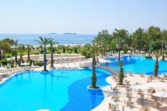 De vakantie van de zomer bij de toevlucht van de Middellandse Zee Stock Foto