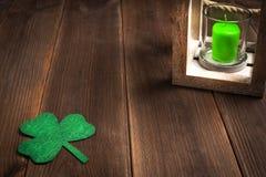 De vakantiesymbool van de Patricksdag Ruimte voor tekst stock foto