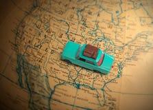 De vakantievakantie van de Globetrottingsauto Stock Foto's