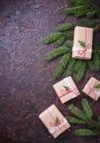 De vakjes van de Kerstmisgift in ambachtdocument Royalty-vrije Stock Foto