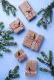De vakjes van de Kerstmisgift in ambachtdocument Royalty-vrije Stock Afbeelding