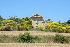 Плато de Valensole (Провансаль), дом стоковое изображение