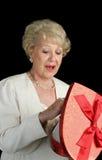 De valentijnskaart behandelt voor haar Stock Foto's