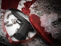 De Valentijnskaart van het pistool Royalty-vrije Stock Afbeeldingen