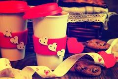 De valentijnskaartdag van de paarkoffie Stock Foto's