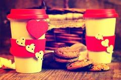 De valentijnskaartdag van de paarkoffie Stock Afbeeldingen
