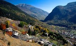 De vallei van alpen Stock Afbeeldingen