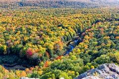 De Vallei van de karperrivier in de Stekelvarkenbergen royalty-vrije stock afbeelding