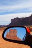 De vallei van het monument door de spiegel Stock Foto's