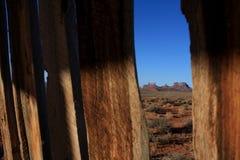 De Vallei van het monument door latjes in omheining royalty-vrije stock afbeelding