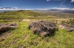 De vallei van Mauna Kea en van Mauna Loa Stock Fotografie